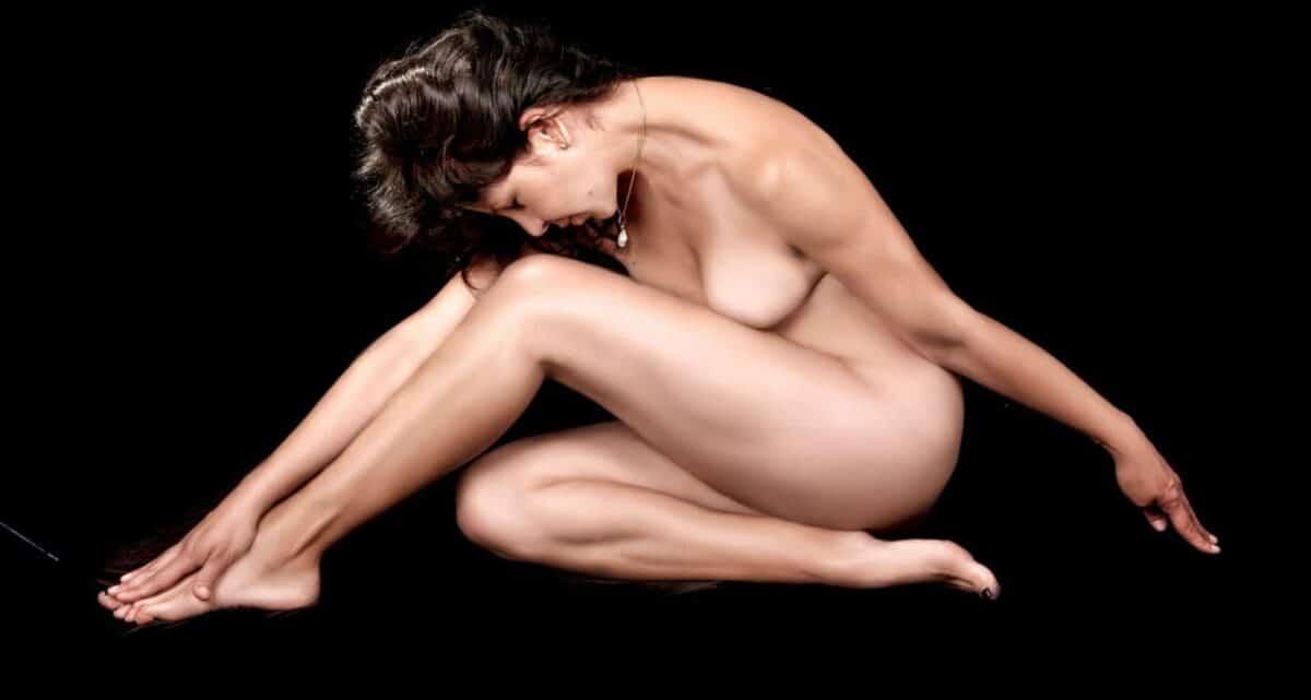 Anti-Cellulite Firming & Burning von Omnimedica. Zur Unterstützung der Pflege der Haut nach Bodyforming-Therapien. Mit OM24® und Koffein.